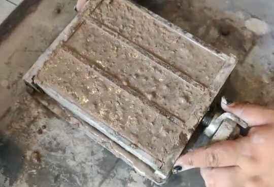 耐火浇注料试块的制作方法